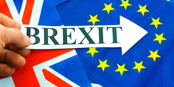 hand-holding-brexit-sign-eu-referendum_jpg_600x300_crop_upscale_q85